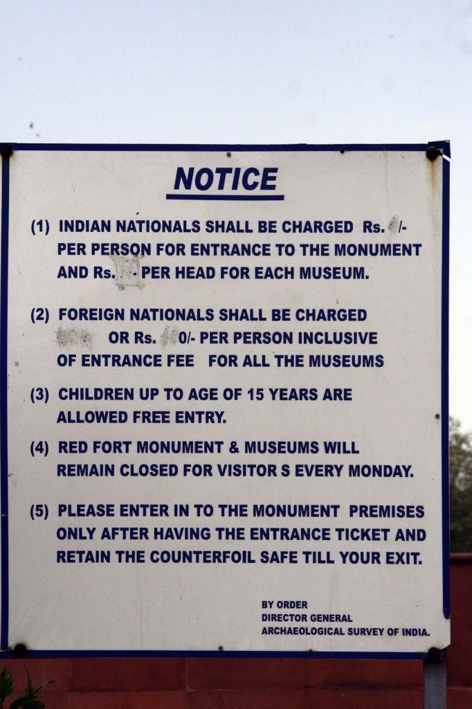 Indien,Delhi,Höflichkeit