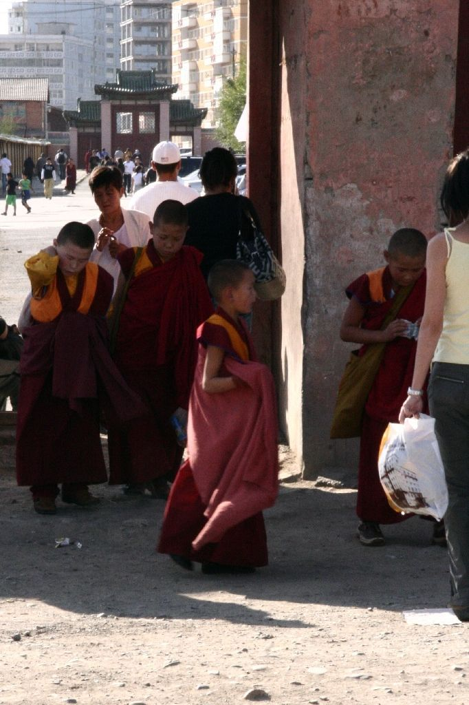 Mongolei,Ulan Bator,Kinder,Müll