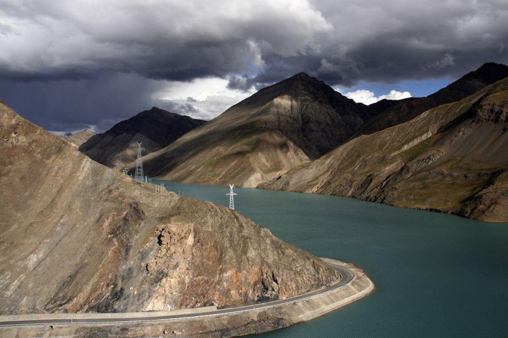 Tibet,Yardrog Yutsho